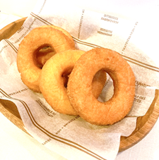 ポンポンッと抜くのが楽しい型抜きドーナッツ